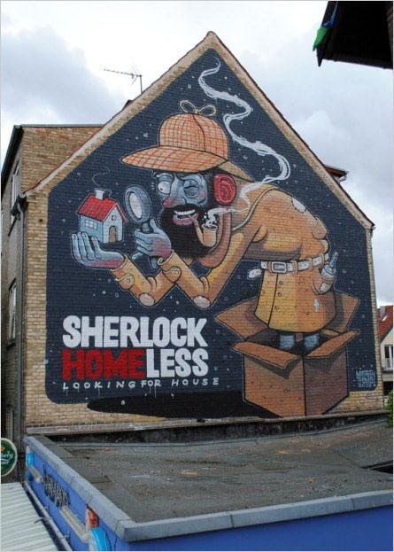 Мурал «Sherlock Homeless» был нарисован в Копенгагене. Его нарисовал итальянский художник Mr. Thoms.