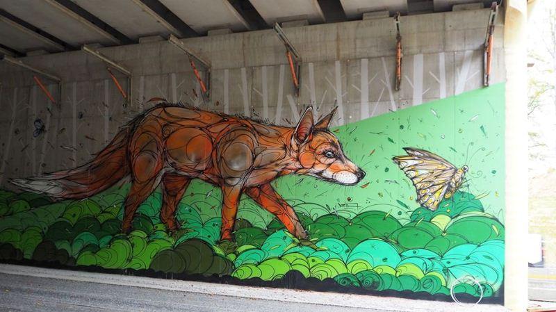 Мурал «Fox and butterfly» нарисованный в Брюсселе. Его нарисовал бельгийский стрит-арт художник Dzia