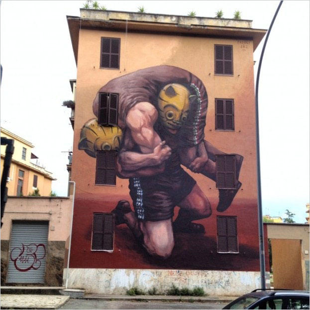 Мурал «The weight of the history» был нарисован в Риме. Его нарисовал аргентинский художник JAZ.