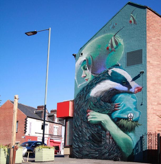 Мурал нарисованный в 2016 году в Шеффилде. Его нарисовал британский стрит-арт художник Rocket01.