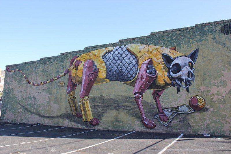 На фото мурал нарисованный в Ричмонде. Его нарисовал итальянский стрит-арт художник Pixel Pancho.