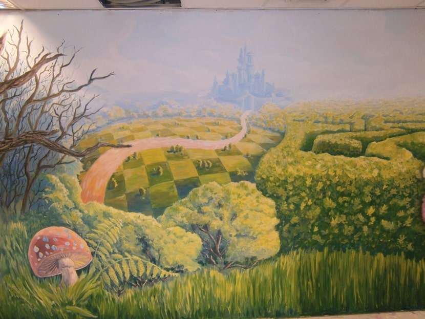 Роспись стен в детской. Роспись стен водоэмульсионной краской.