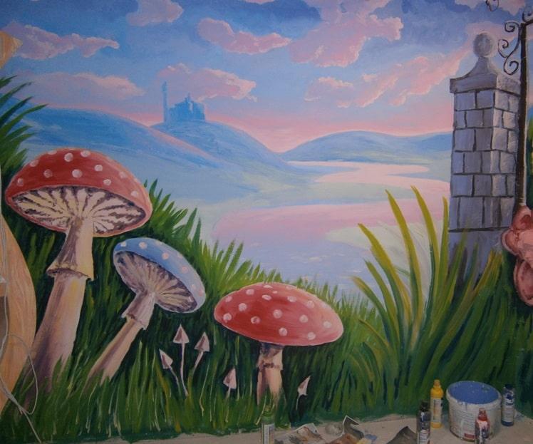Роспись красками. художественная роспись стен детской комнаты.
