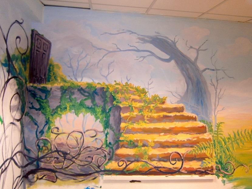 Художественная роспись стен в детской комнате. Фото.