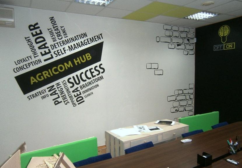 Дизайн рабочего места в офисе.