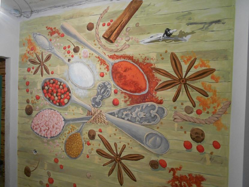 Идеи росписи стены на кухне. Декор маленькой кухни.