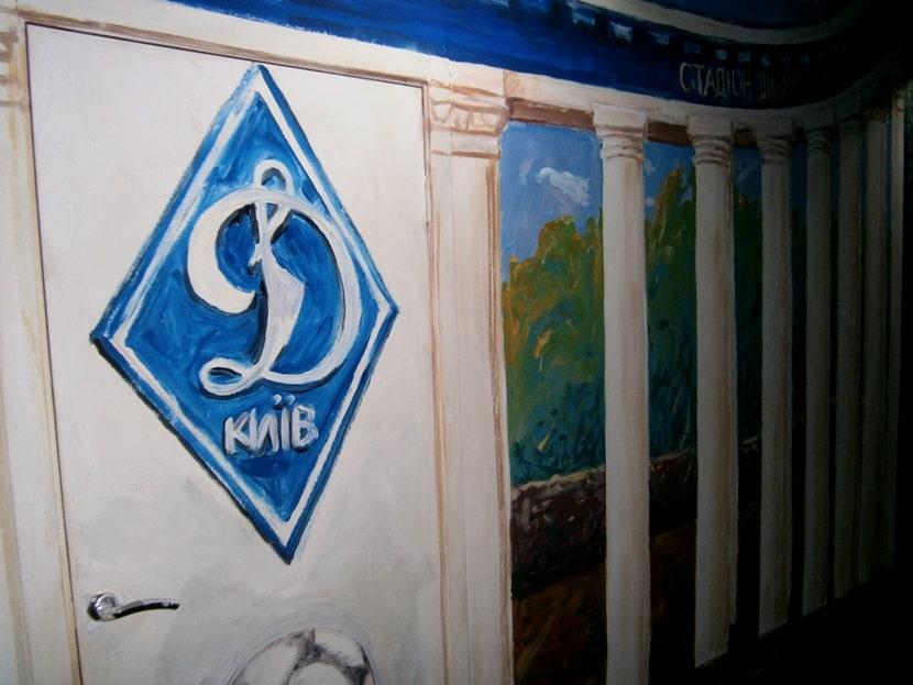 Роспись стен и дверей акрилом в интерьере. Цена.